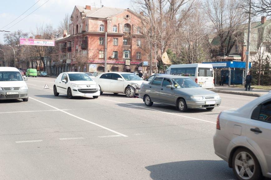 "В Кривом Роге ""Toyota Avalon"" догнала три стоявших на светофоре автомобиля (ФОТО), фото-15"