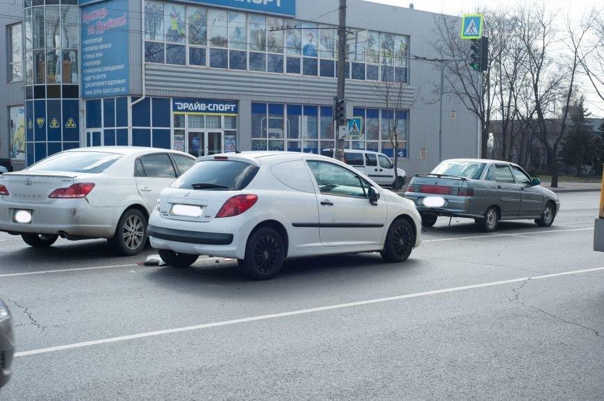 "В Кривом Роге ""Toyota Avalon"" догнала три стоявших на светофоре автомобиля (ФОТО), фото-14"