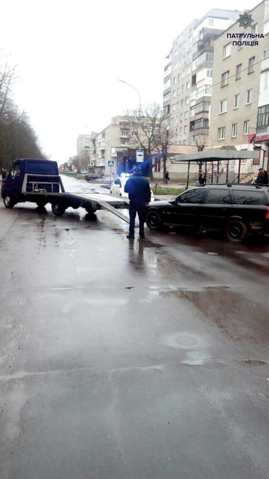 Патрульні застосували зброю, коли втікач нехтував правилами дорожнього руху (ФОТО), фото-1