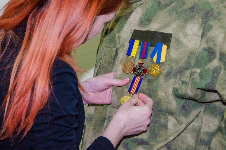 За мужественные подвиги: в Днепропетровске вручили награды бойцам-добровольцам (ФОТО) (фото) - фото 3