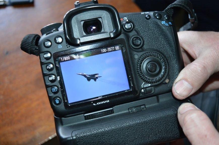 На военном аэродроме в Кульбакино волонтеров приняли за сепаратистов (ФОТО) (фото) - фото 1