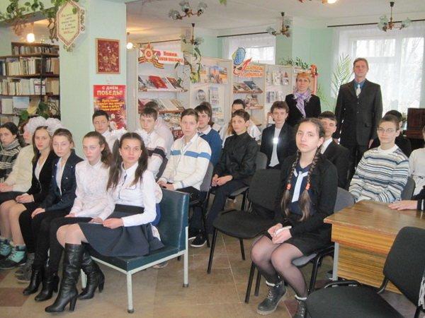 В Енакиево почтили память легендарной летчицы Валентины Гризодубовой, фото-1