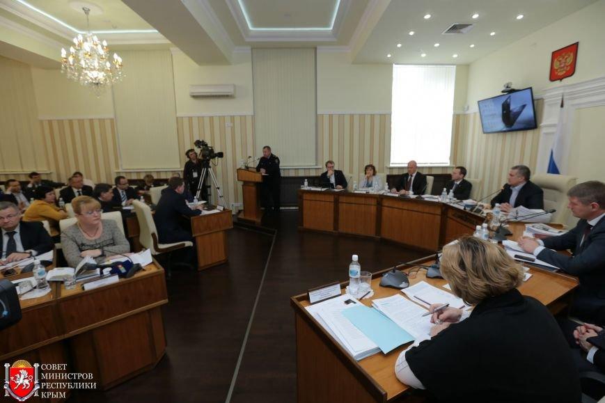 МРЭО Крыма более чем в 4 раза увеличило количество перерегистраций автомобилей в неделю (ФОТО), фото-3