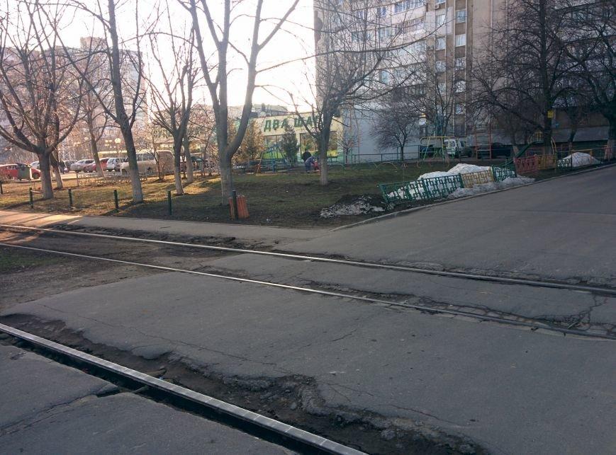 Успей объехать: Десятка самых опасных ям на одесских дорогах (ФОТО) (фото) - фото 11