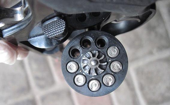 Полиция Киева расследует стрельбу по коммунальщикам (ФОТО) (фото) - фото 1