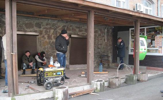 Полиция Киева расследует стрельбу по коммунальщикам (ФОТО) (фото) - фото 3