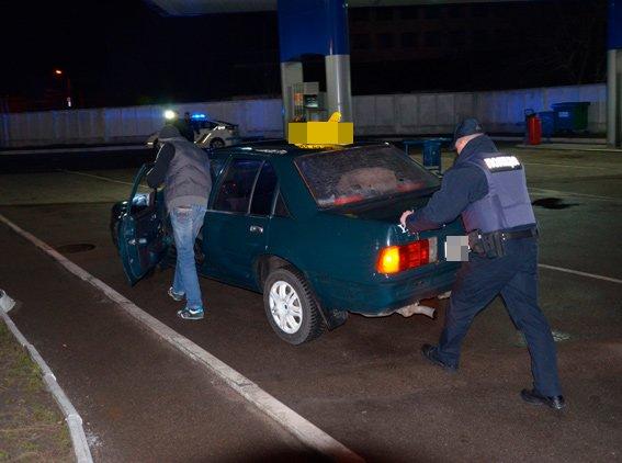 В Житомире безопасность и спокойствие людей ночью впервые охраняла новая патрульная полиция (фото) - фото 1
