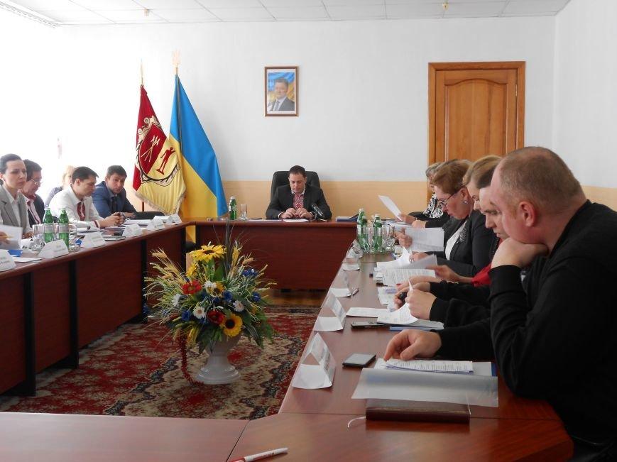В 2015 году в Днепродзержинске прибыль получили 12 коммунальных предприятий из 20 (фото) - фото 1