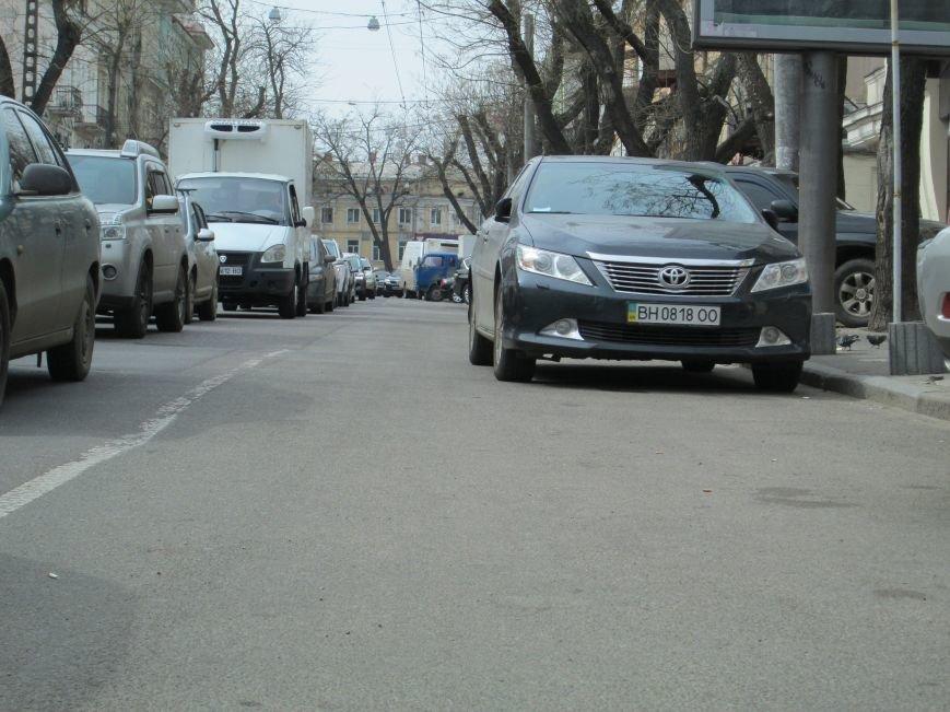 6eb11d2f323400f70fce8543dc2fa676 Одесские автохамы блокируют Александровский проспект