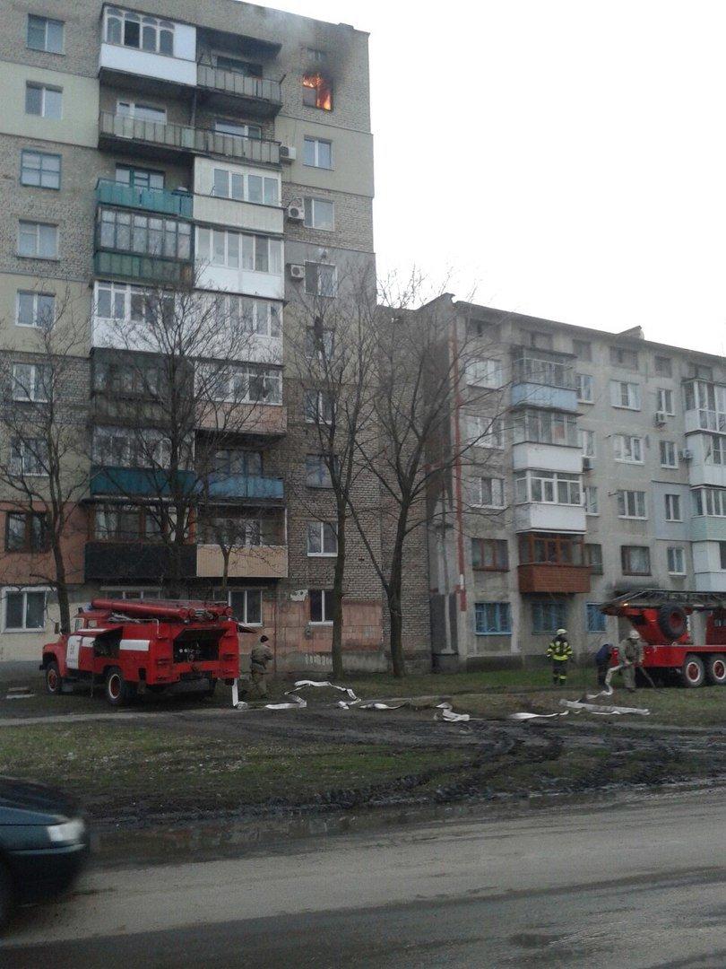 Вчера вечером пылал один из многоквартирных домов Красноармейска (Покровска) - (ОБНОВЛЕНО), фото-1