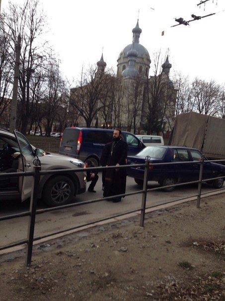 У Тернополі священик влаштував розбірки (фото) (фото) - фото 1