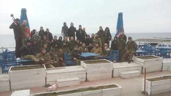 0d1cebe1266d4d170457ca2151111846 Одесские активисты разгромили навесы и спасательную вышку на Ланжероне