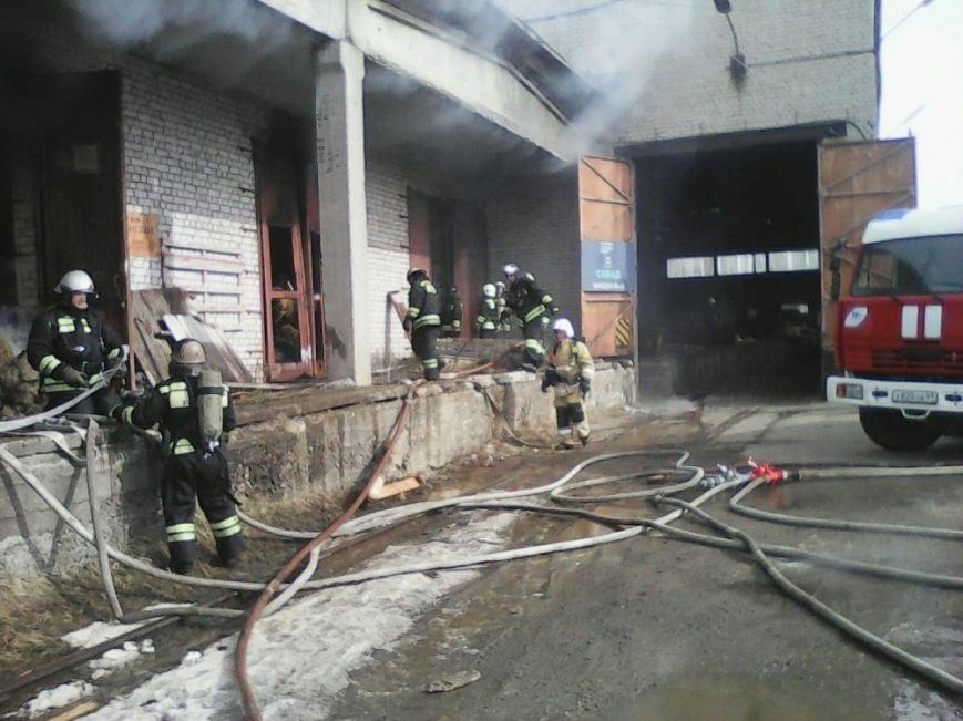 Пожар на льняном складе в Твери ликвидирован (фото) - фото 2