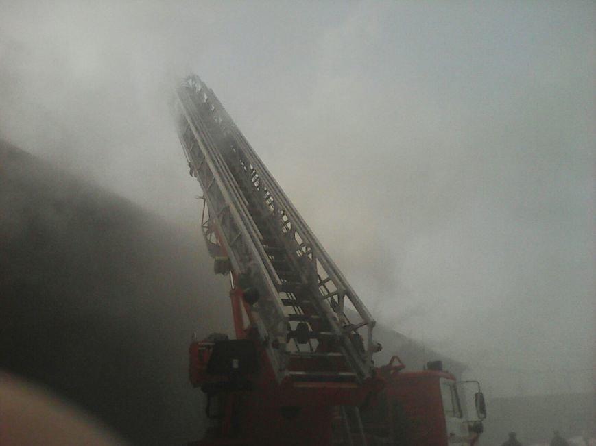 Пожар на льняном складе в Твери ликвидирован (фото) - фото 3