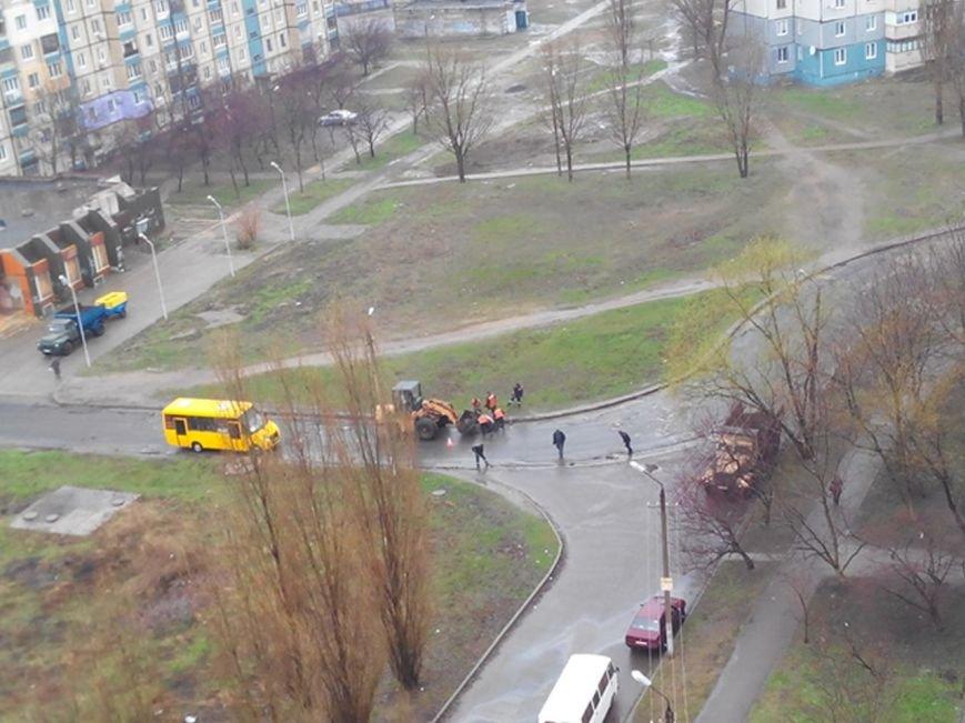 Ливень в Кривом Роге - не помеха для ремонта дорог (ФОТО), фото-1