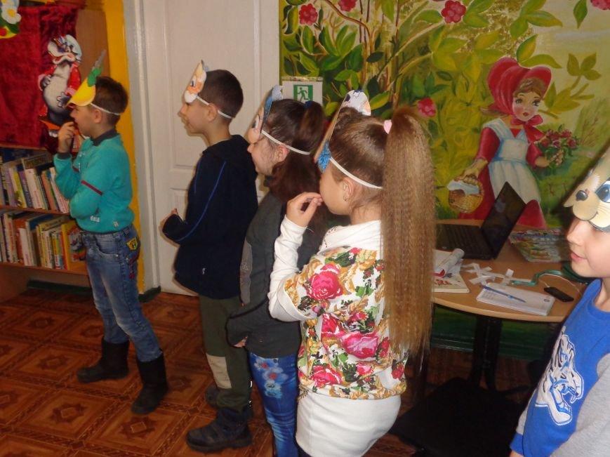 В детской центральной библиотеке имени А. П. Гайдара в Красноармейске задорно и весело прошел Праздник Книги (фото) - фото 17