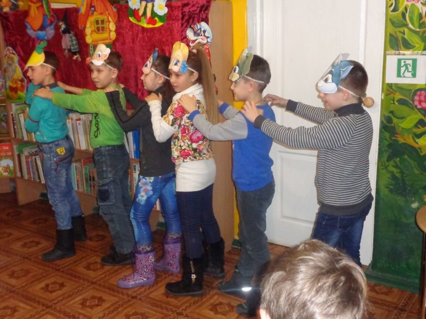 В детской центральной библиотеке имени А. П. Гайдара в Красноармейске задорно и весело прошел Праздник Книги (фото) - фото 21
