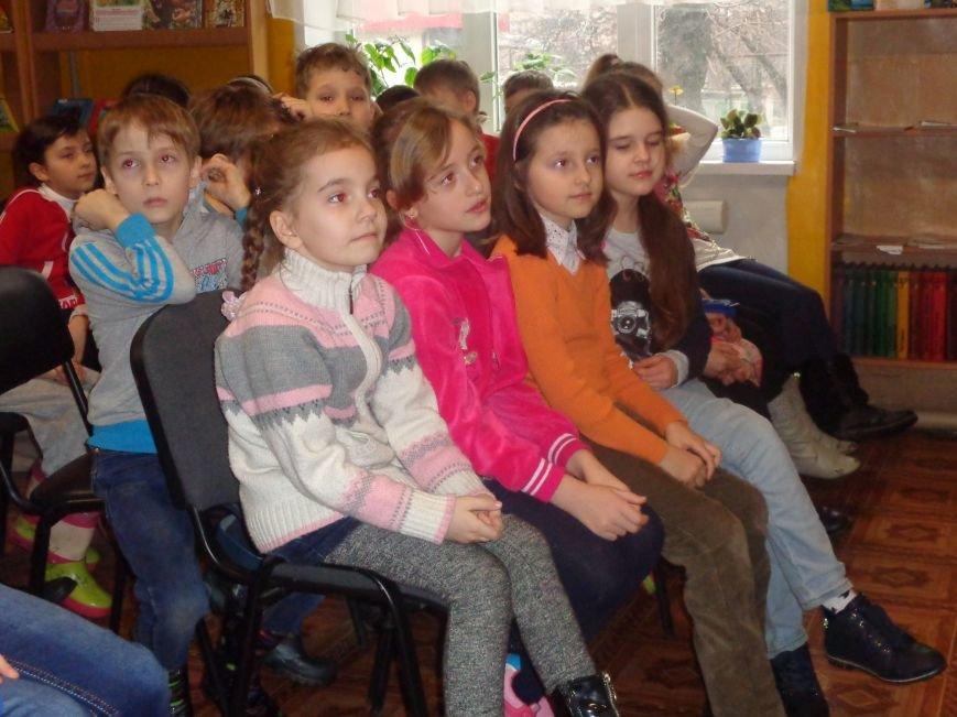 В детской центральной библиотеке имени А. П. Гайдара в Красноармейске задорно и весело прошел Праздник Книги (фото) - фото 9