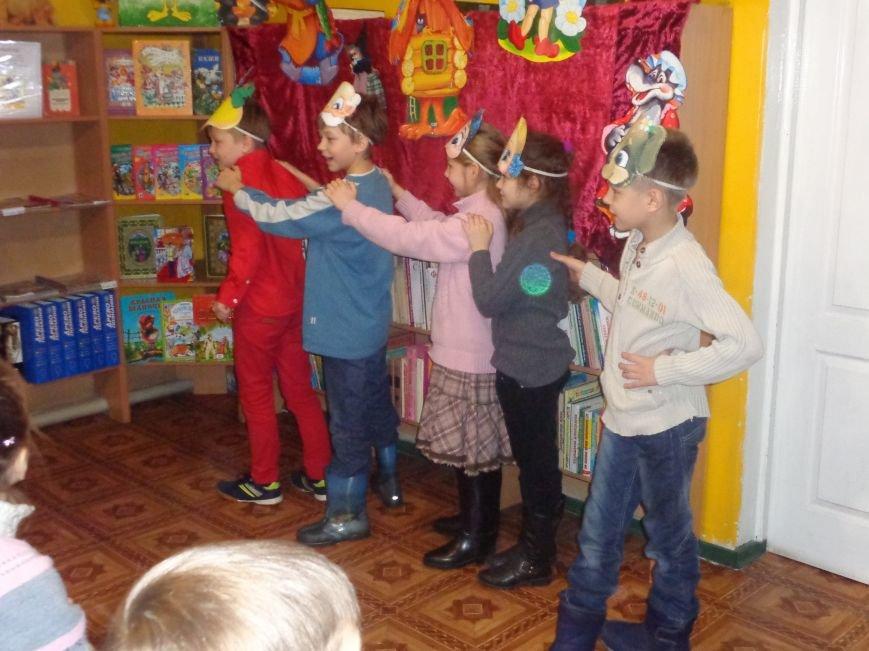 В детской центральной библиотеке имени А. П. Гайдара в Красноармейске задорно и весело прошел Праздник Книги (фото) - фото 25