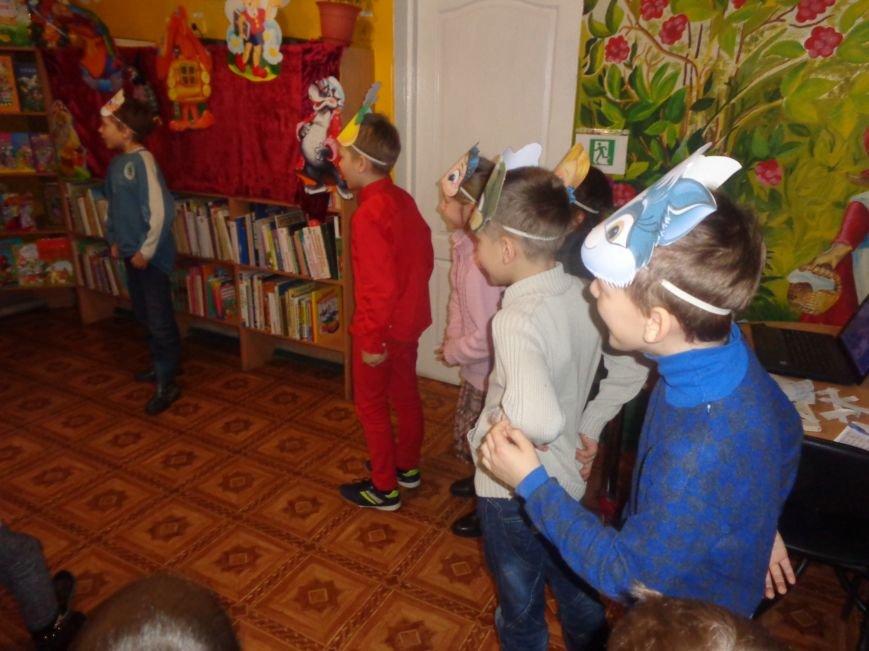 В детской центральной библиотеке имени А. П. Гайдара в Красноармейске задорно и весело прошел Праздник Книги (фото) - фото 23