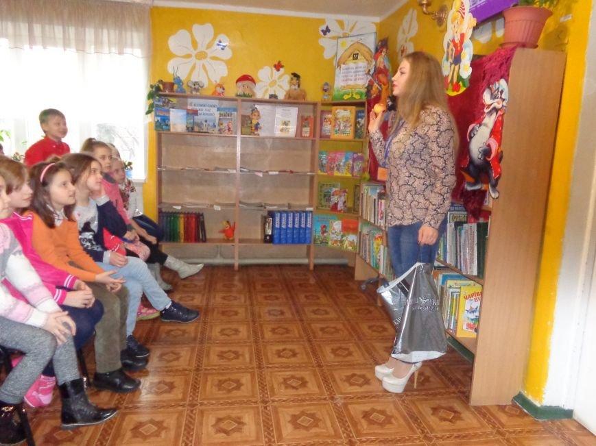 В детской центральной библиотеке имени А. П. Гайдара в Красноармейске задорно и весело прошел Праздник Книги (фото) - фото 14