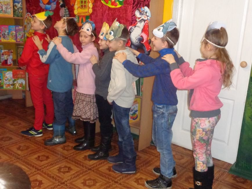 В детской центральной библиотеке имени А. П. Гайдара в Красноармейске задорно и весело прошел Праздник Книги (фото) - фото 26