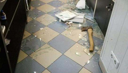 В Броварах неизвестные с топорами ограбили ювелирный магазин (ФОТО) (фото) - фото 1