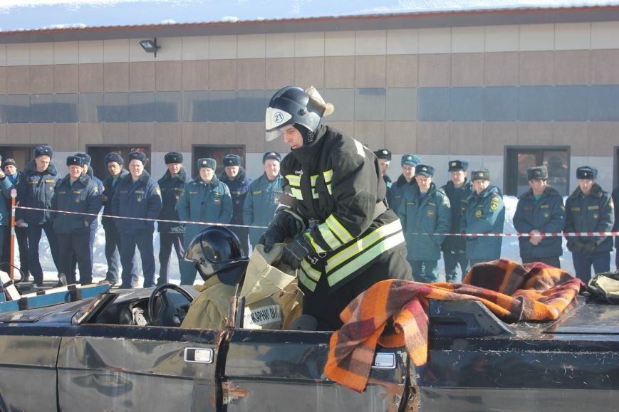 Сегодня спасатели Коми боролись за звание лучшей команды при работе на ДТП (фото) - фото 1