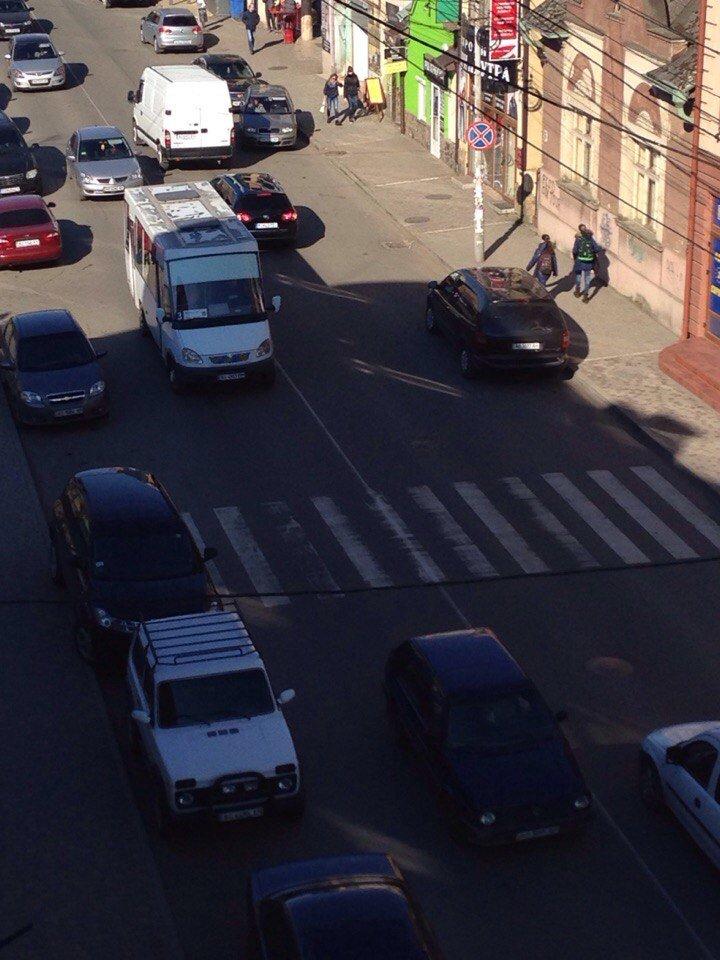 Ужгородець продемонстрував мистецтво парковки на самісінькій