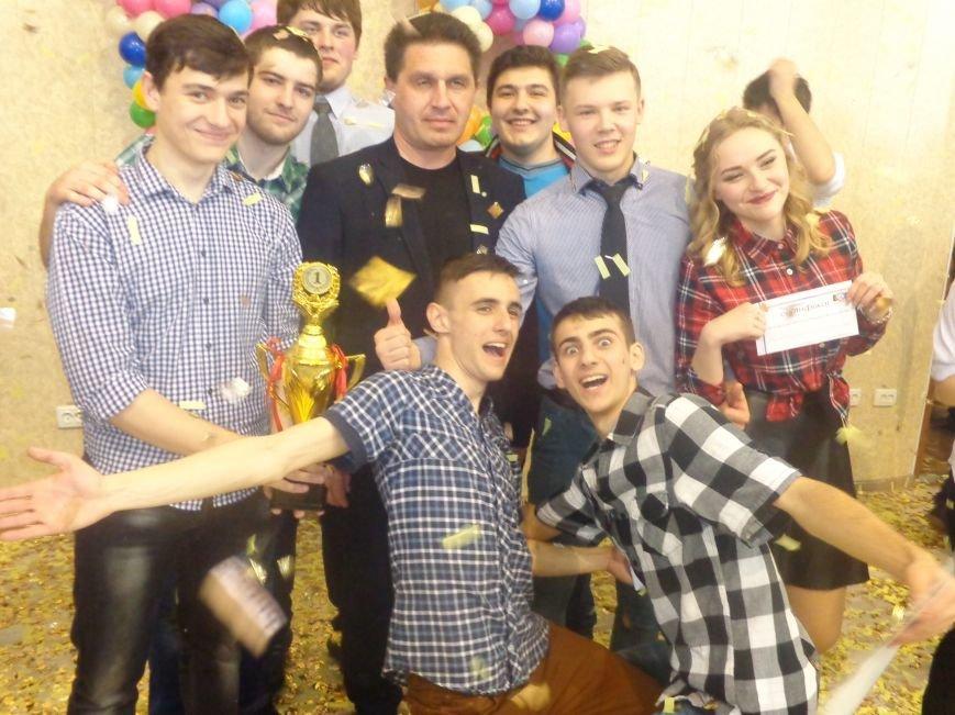 В Красноармейске прошел масштабный финал студенческой Лиги КВН (фото) - фото 21