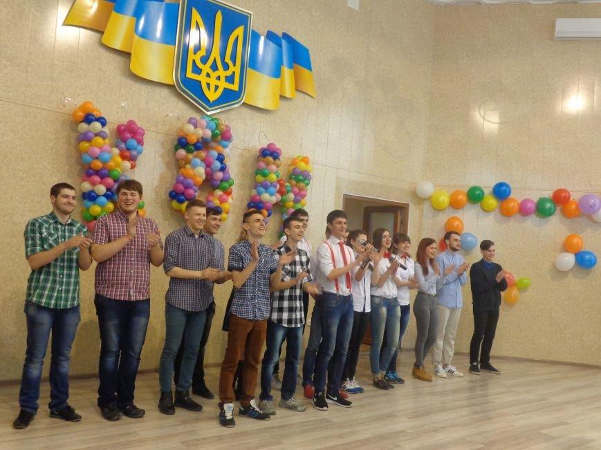 В Красноармейске прошел масштабный финал студенческой Лиги КВН (фото) - фото 1