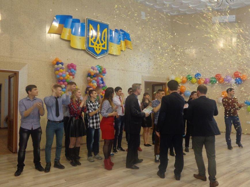 В Красноармейске прошел масштабный финал студенческой Лиги КВН (фото) - фото 18