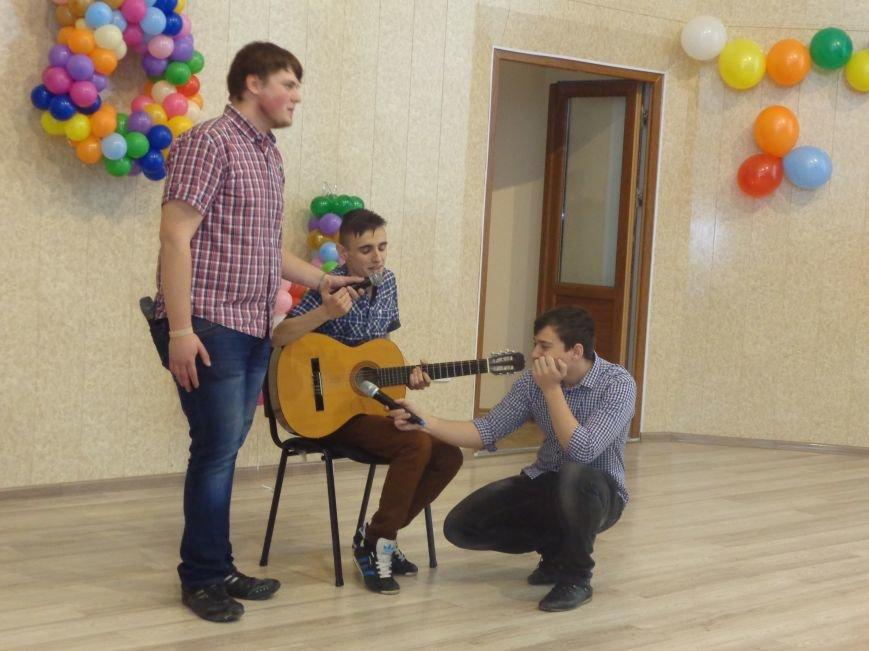 В Красноармейске прошел масштабный финал студенческой Лиги КВН (фото) - фото 14