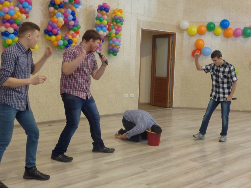 В Красноармейске прошел масштабный финал студенческой Лиги КВН (фото) - фото 7