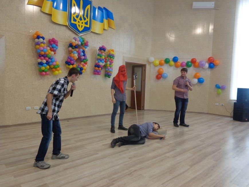 В Красноармейске прошел масштабный финал студенческой Лиги КВН (фото) - фото 8