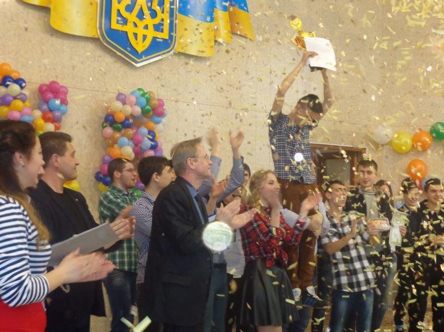 В Красноармейске прошел масштабный финал студенческой Лиги КВН (фото) - фото 19
