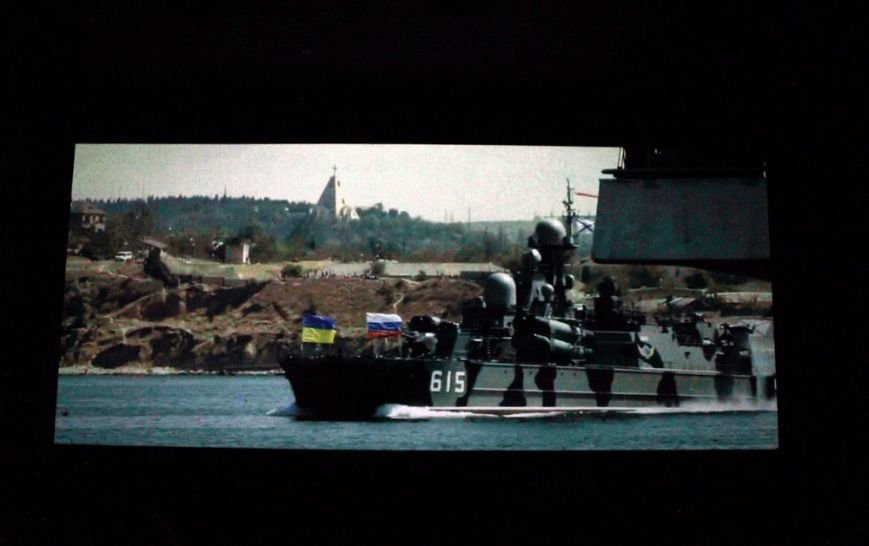 8fe3be9ecba9b08e6e8e16543c0014d3 На премьере фильма «Крим: як це було» плакали одесситы и военные моряки