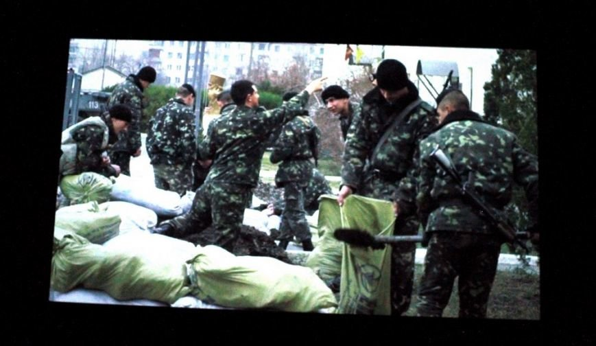 c2cb58414a9099051495fabff1f9a472 На премьере фильма «Крим: як це було» плакали одесситы и военные моряки