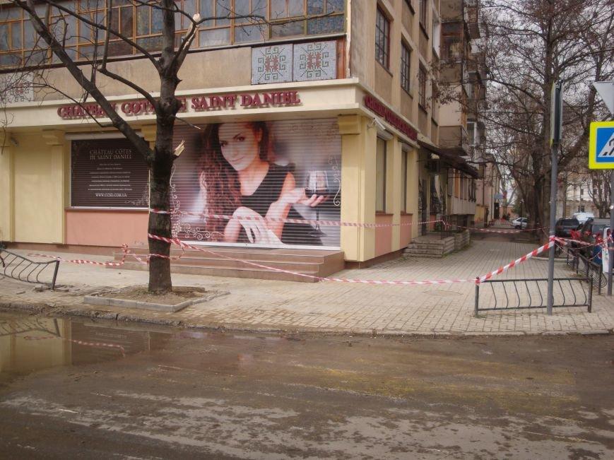 Рухнувшую крышу симферопольской пятиэтажки обещают отремонтировать за 2 дня (ФОТО) (фото) - фото 1
