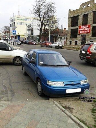 Шедевры паркования по-херсонски (фото) (фото) - фото 3