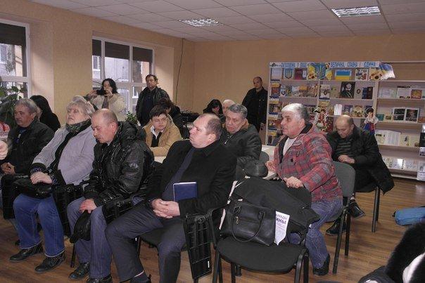 В Димитрове (Мирнограде) обсудили инструменты влияния на местную власть, , вопреки возражениям самих властей (фото) - фото 8
