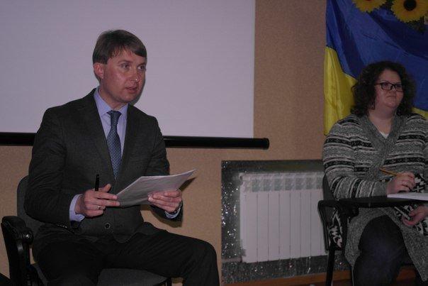 В Димитрове (Мирнограде) обсудили инструменты влияния на местную власть, , вопреки возражениям самих властей (фото) - фото 11