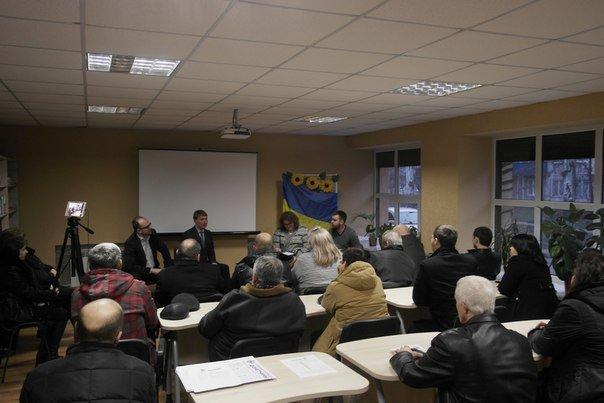 В Димитрове (Мирнограде) обсудили инструменты влияния на местную власть, , вопреки возражениям самих властей (фото) - фото 10