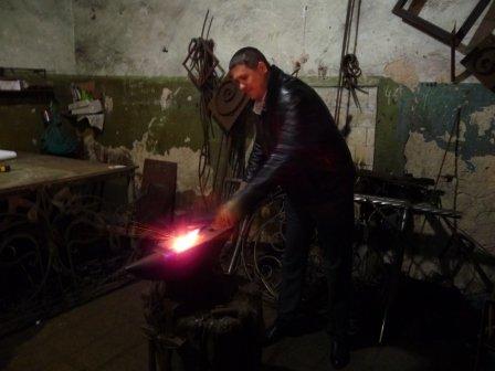 В Херсоне началось изготовление памятника погибшим на Донбассе херсонцам  (фото) (фото) - фото 3