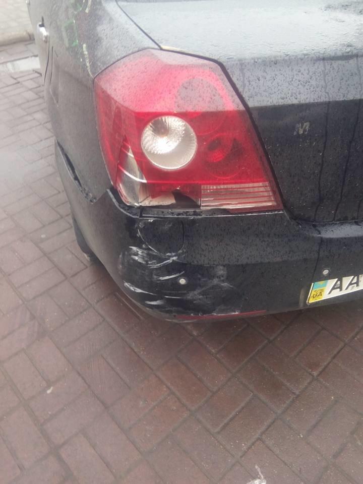 6265ae929ba367d6f98964f6ffddfd39 В Одессе полицейский автомобиль спровоцировал аварию