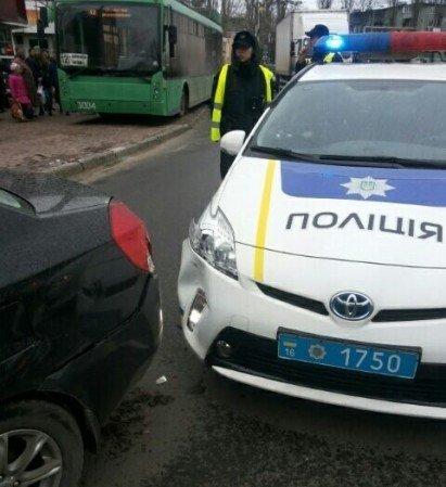В Одессе полицейский автомобиль спровоцировал аварию (ФОТО) (фото) - фото 1