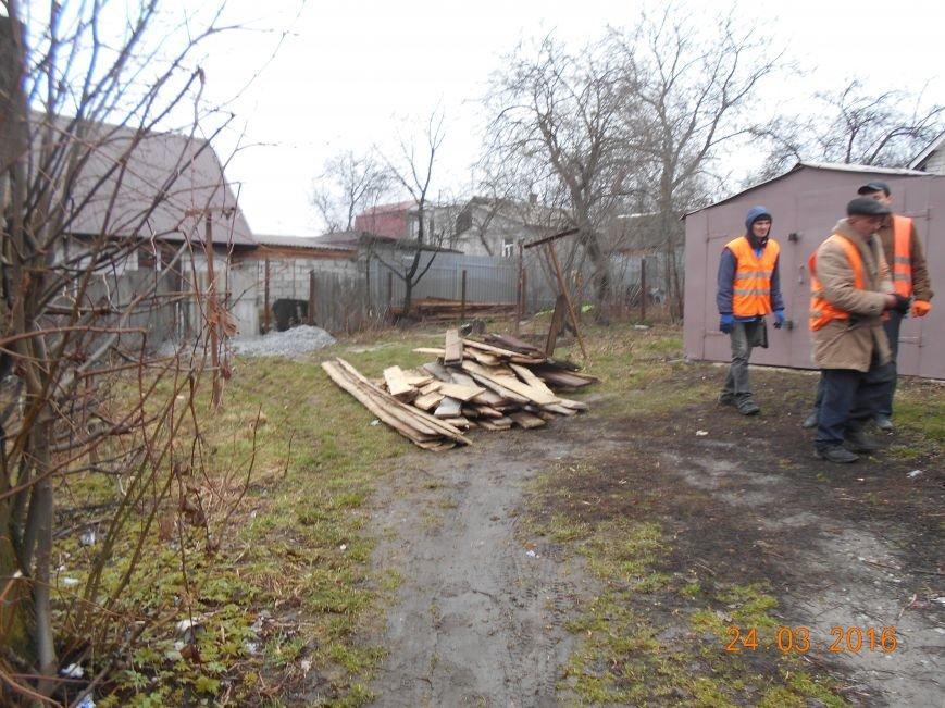 В Житомире продолжают демонтировать незаконно установленные временные сооружения (фото) - фото 1