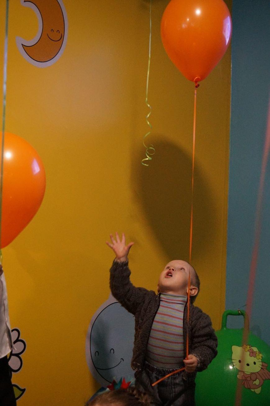 Новые тренажеры для родителей и развивающие игрушки для малышей: депутаты горсовета предметно решили проблемы общежития  №14 (ФОТО) (фото) - фото 5