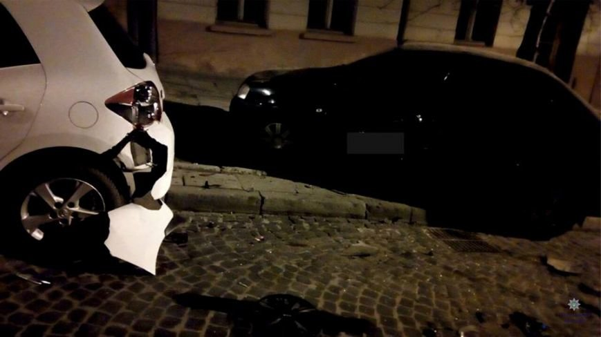 У Львові п'яний водій розбив дві автівки і втік з місця події (ФОТО), фото-1