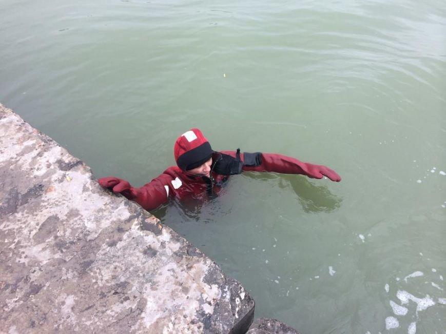 Мариупольские водолазы за смену вытаскивают до 2 кубов подводного мусора (ФОТО+ВИДЕО), фото-4